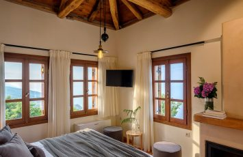 Superior living space with double bed